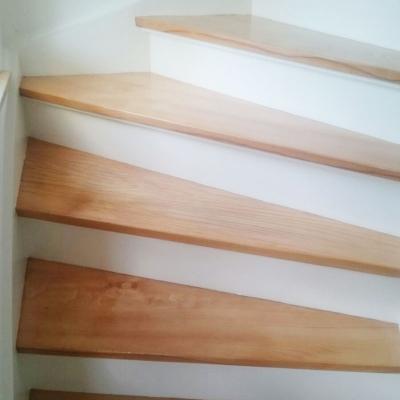Aufarbeitung alter Dielung, Parkette und Treppen